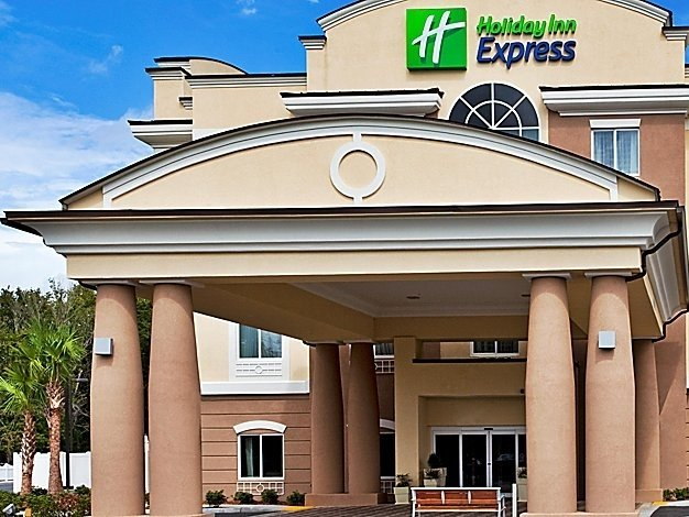 Hotel Development & Management Group (HDG Hotels) acquires the award-winning Holiday Inn Express – Crystal River